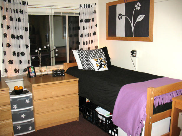 Decorating Ideas > Dorm Room Ideas For Girls  Flower Power ~ 045423_Matching Dorm Room Ideas